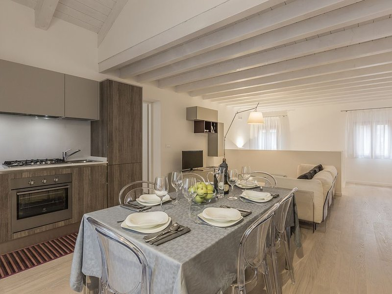 Ca' Rossini 2 Apartment, alquiler vacacional en City of Venice