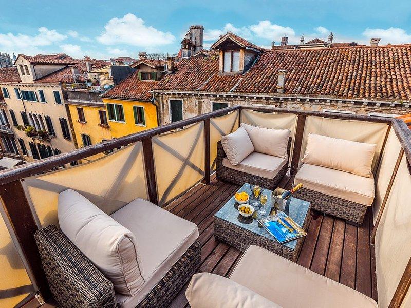 Ca' Del Teatro Terrace, holiday rental in San Nicolo