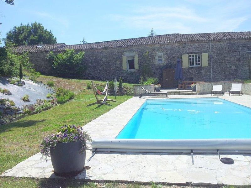 Maison en pierres du Quercy avec piscine privée, vacation rental in Beauville