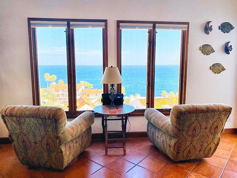 Romantic Condo in Hamilton Cove, Catalina with Golf Cart. NO PETS PLEASE, aluguéis de temporada em Avalon