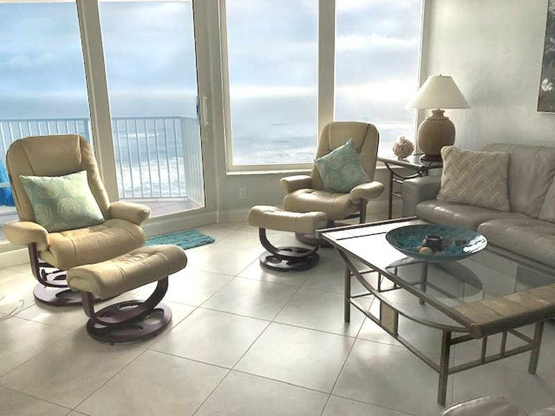 CELEBRATE HOLIDAYS on NO-DRIVE Beach! 11th floor DAZZLING Views;100% Remodeled, holiday rental in Daytona Beach Shores