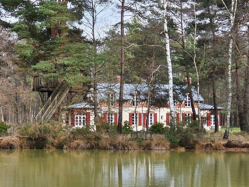 Maison forestière entièrement rénovée, location de vacances à Saint-Lubin-de-la-Haye
