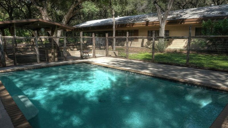 Frio River Vacation! Frio River is 1/2 Mile Away. Private swimming Pool., vacation rental in Sabinal