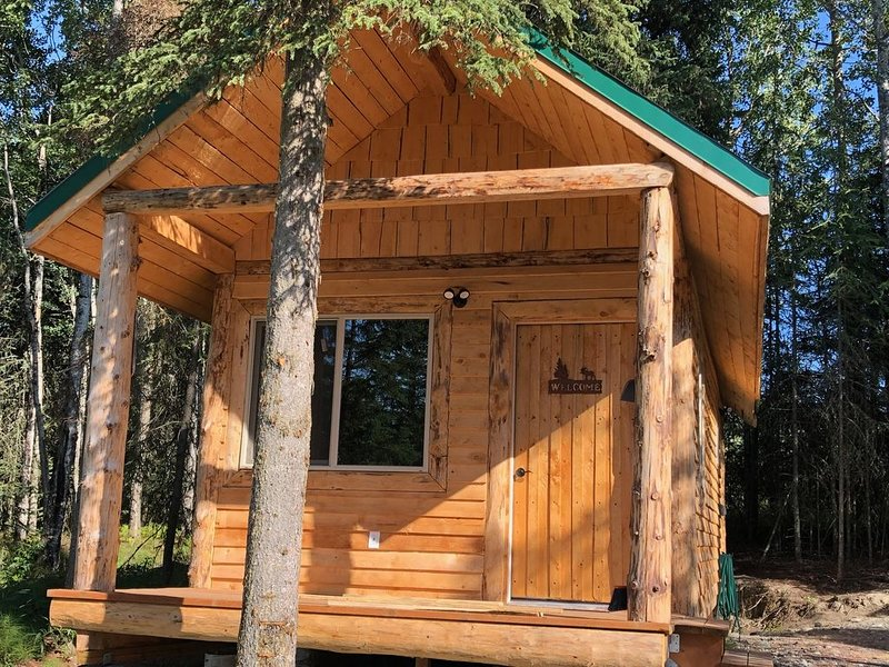 CAM'S LAKESIDE BUNKHOUSE - BOOK 4 nights and GET 1 night FREE (June, July, Aug)!, casa vacanza a Nikiski