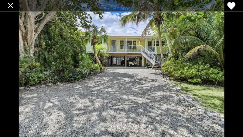 Delightful Floridian House steps from the beach. Centrally located. Exceptional, holiday rental in Sanibel