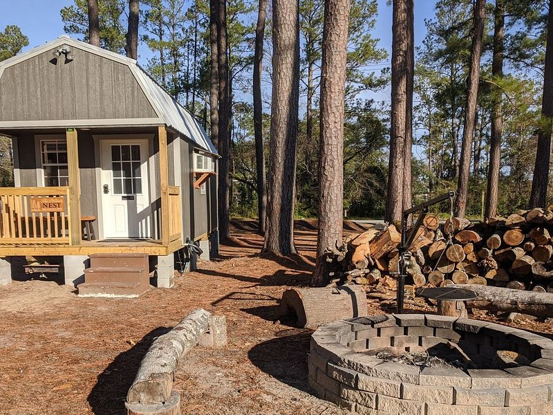 The Sanderling Tiny Cabin Water Access/Private Shared dock, holiday rental in Bridgeton