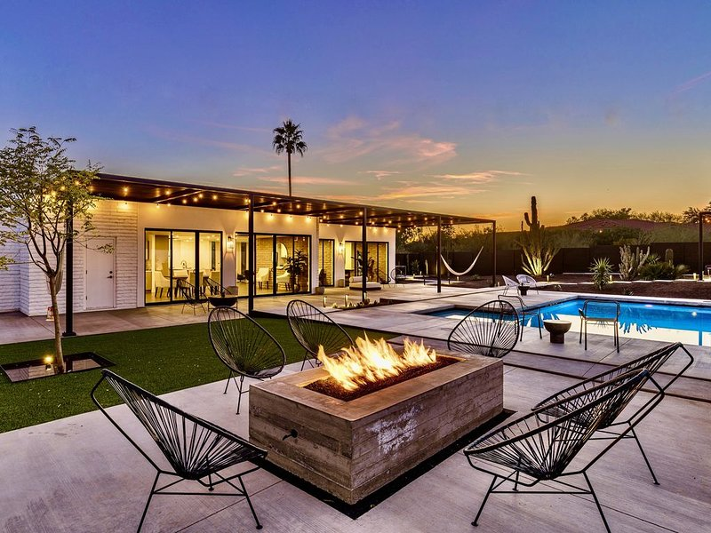 Luxury Property w/ Pool.  Brand NEW Remodel., location de vacances à Phoenix