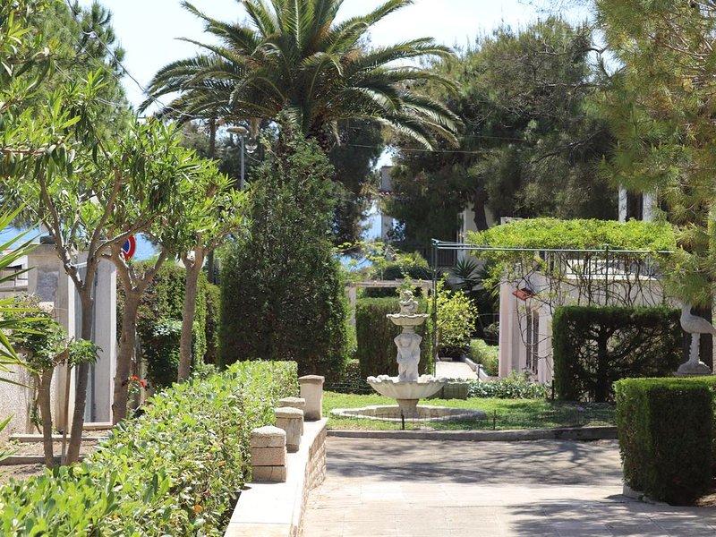 Villa a 50 passi dal mare, holiday rental in Marina di Pulsano