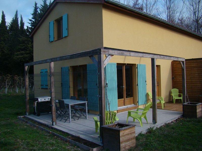 Maison avec terrasses, Avignon 12km, Isle/Sorgue et ses antiquaires à 1Km., holiday rental in Le Thor
