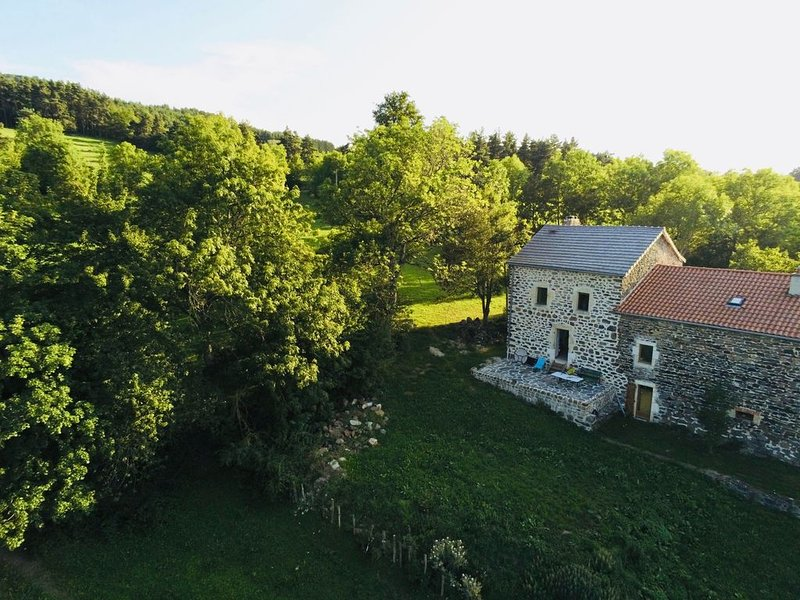 Maison Bout du Monde, holiday rental in Saint-Hostien
