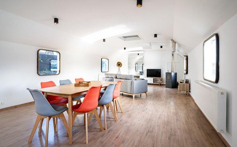 Arcadia - Péniche de Standing à Namur pour 8 personnes, location de vacances à Namur