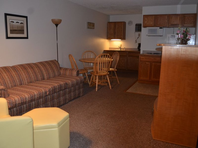 2 Bedroom Suite on Lake George, vacation rental in Lake George