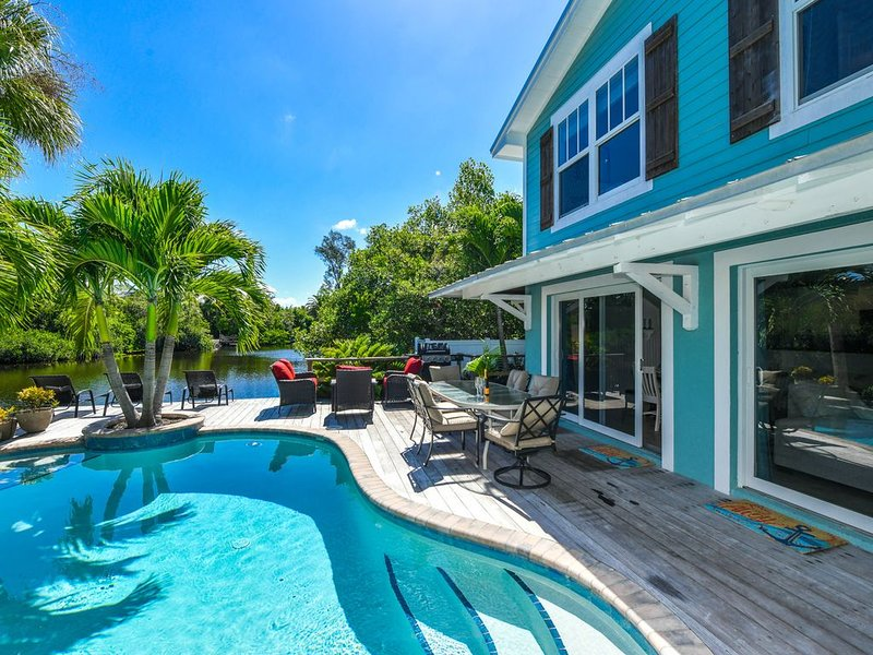 Beautiful home, private pool with water VIEWS! Enjoy Anna Maria Island in Luxury, vacation rental in Anna Maria
