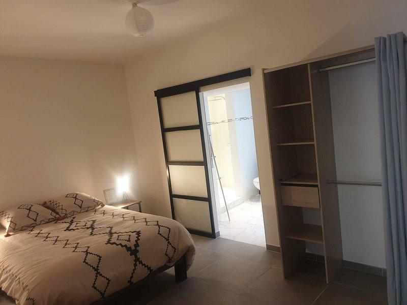 Appartement tout confort en centre ville., vacation rental in Pennautier