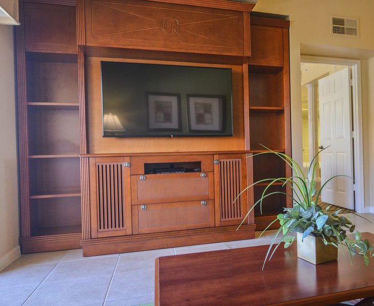 Two Bedroom at Lakes Resort & Spa near Theme Parks, casa vacanza a Windermere