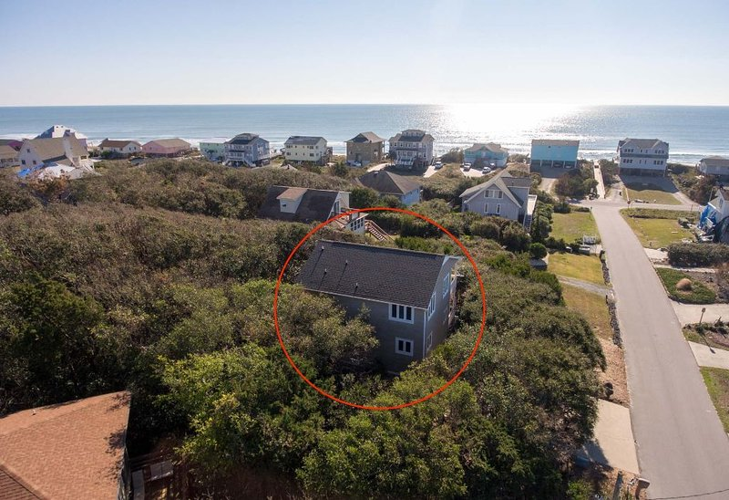 Dancing Barefoot- Cozy Beach Getaway- 4th Row House with Ocean View, holiday rental in Cedar Point
