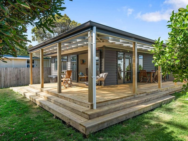 Te Moana - Waikanae Beach Holiday Home, vacation rental in Kapiti Coast