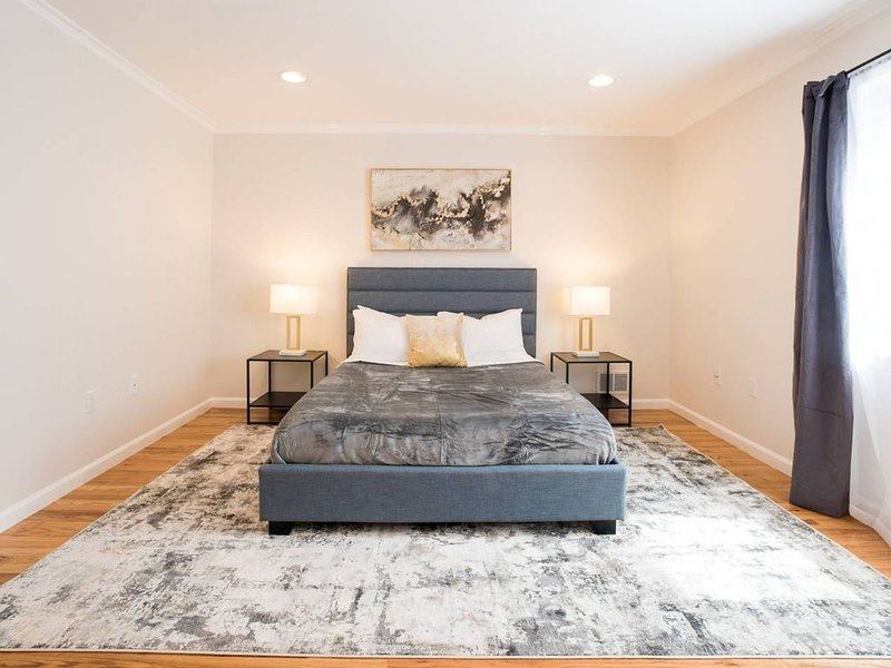 Luxury 3BR Apartment 20 Minutes to TIMES SQUARE, holiday rental in West New York