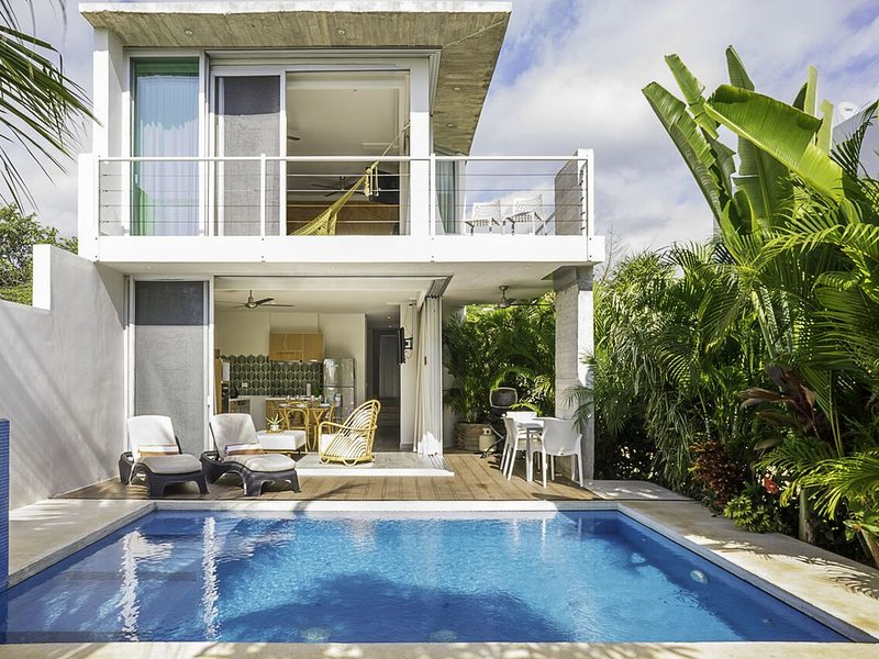 Lux 2BR villa near ocean stay 30+night get 30%off, holiday rental in Solidaridad
