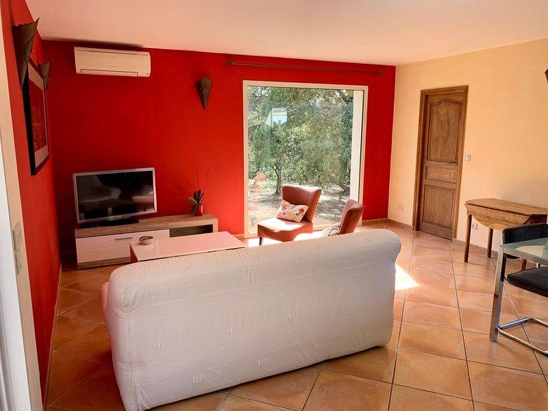 Maison  dans garrigue 3p, aluguéis de temporada em Galargues