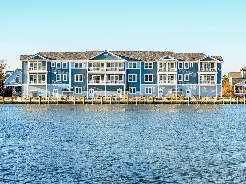 Captain's Rest - Lovely Waterfront on Marsh Island!, alquiler de vacaciones en Chincoteague