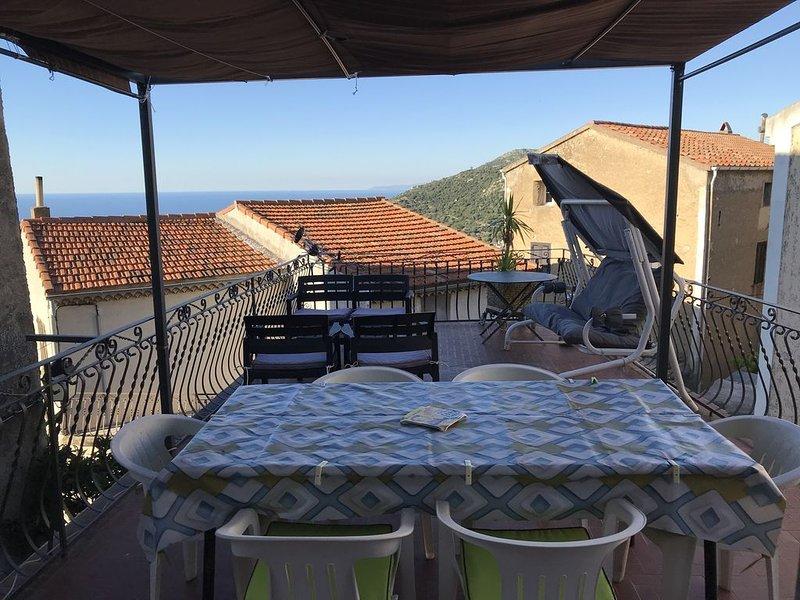 Appartement T4 dans village de Balagne, location de vacances à Pigna