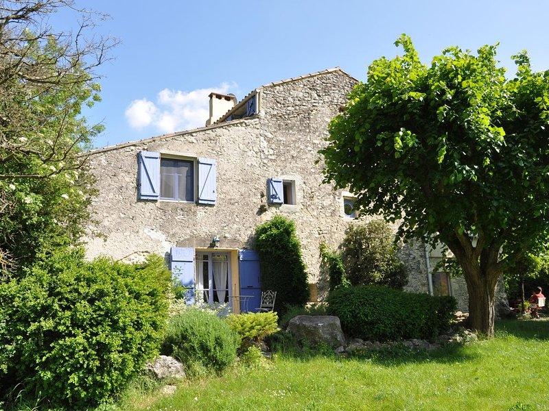 ECOSITE AU PAYS DES LAVANDES, Ferienwohnung in Roche-Saint-Secret-Beconne