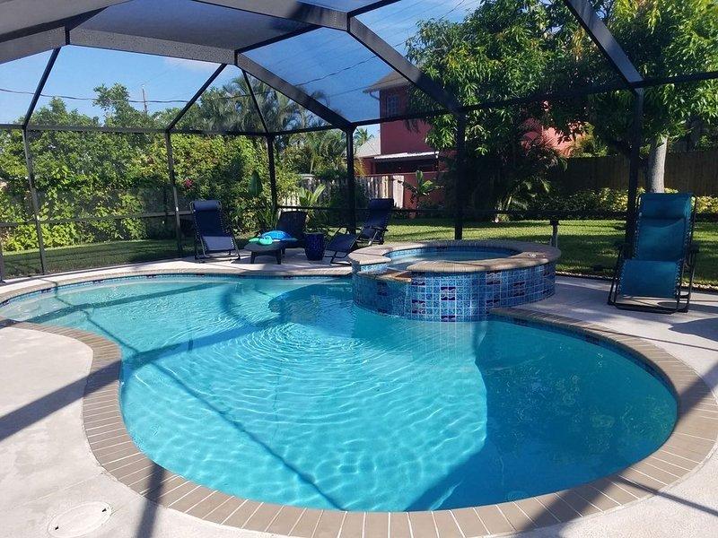 Key West Style Single Family Pool Home by the Sea, alquiler de vacaciones en Naples Park