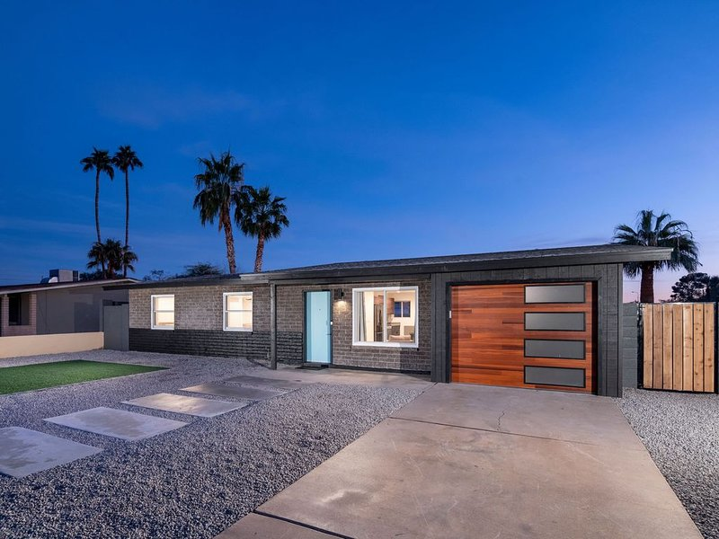 Heated + Cooled Pool 3 Bed 2 Bath Tempe/Scottsdale, holiday rental in Tempe