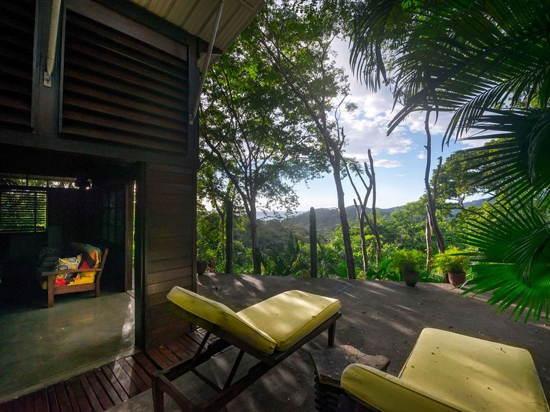 Jungle Retreat with easy access to the waves, Ferienwohnung in Bezirk Rivas