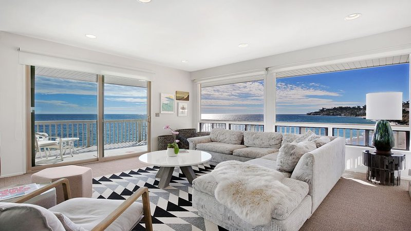 Malibu beachfront condo with private beach access and stunning ocean views, holiday rental in Malibu