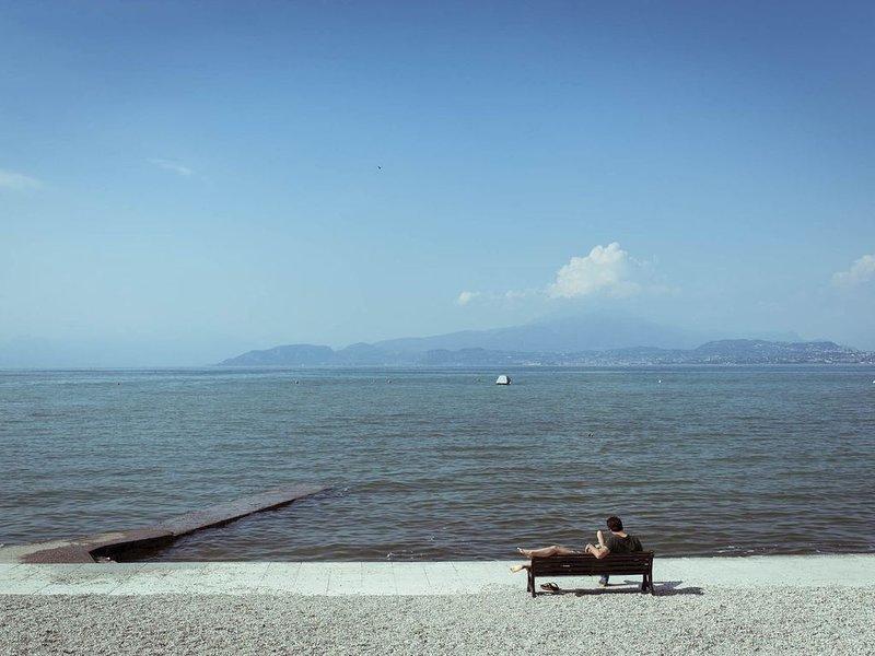 Ferienhaus - 4 Personen*, 24m² Wohnfläche, 2 Schlafzimmer, Internet/WIFI, vacation rental in Peschiera del Garda