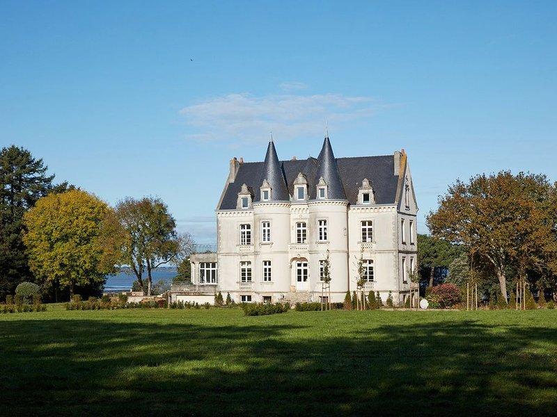 Chateau de Kergeorget - Vue sur le Golfe, casa vacanza a Sarzeau
