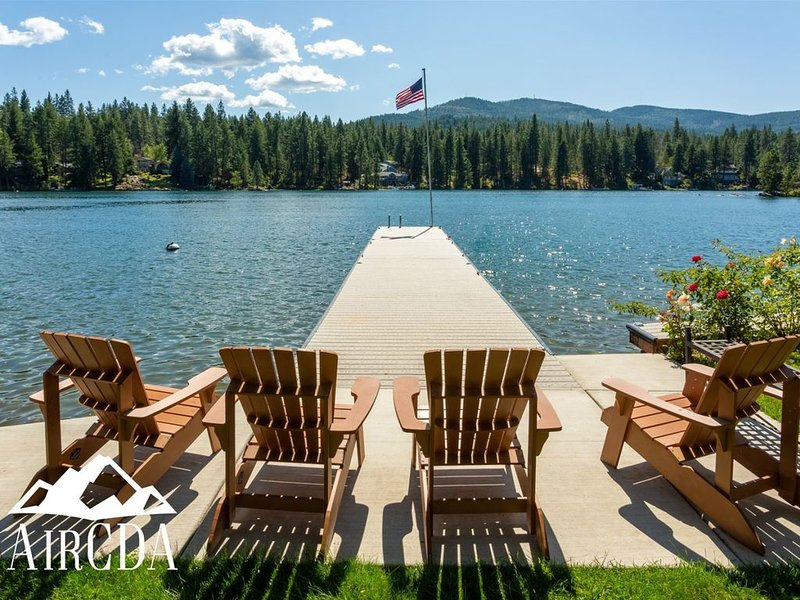 Stay Here! Waterfront Home | Coeur d`Alene, Idaho, location de vacances à Rathdrum
