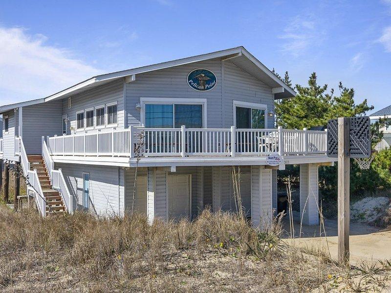 Cozy Beach cottage, wave watching delight! Sleeps 10!, alquiler de vacaciones en Virginia Beach