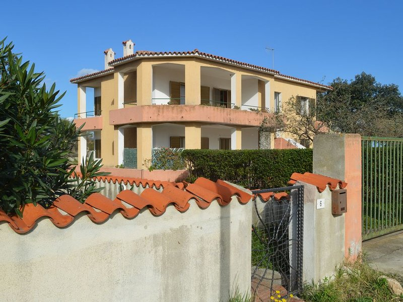 Terrae apartment 100 meters from the beach of Torre di San Giovanni, holiday rental in Posada