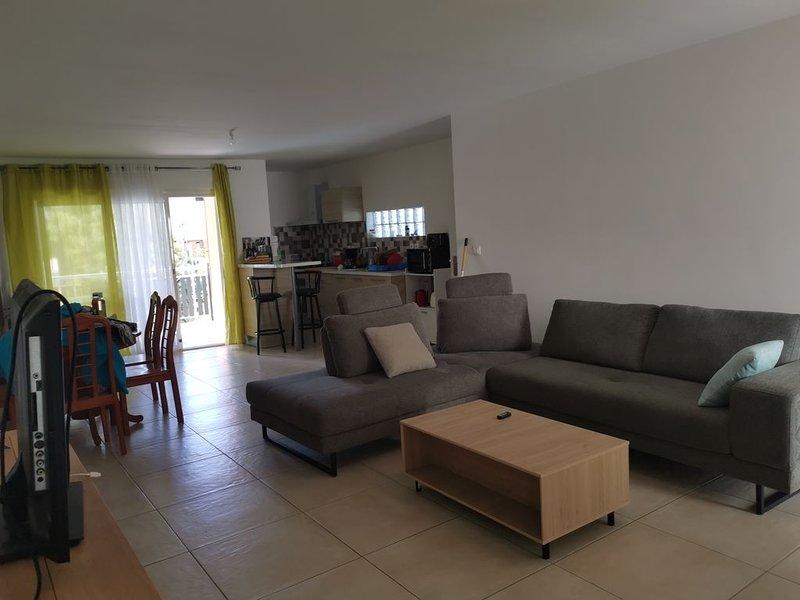 Maison près du centre ville, 15mn de l aéroport, holiday rental in Saint-Denis