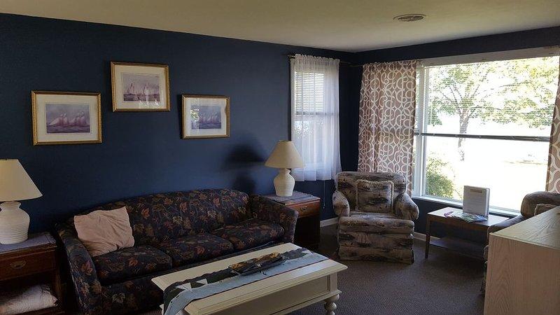 Beach Harbor Resort - Beach House Cottage, holiday rental in Door County