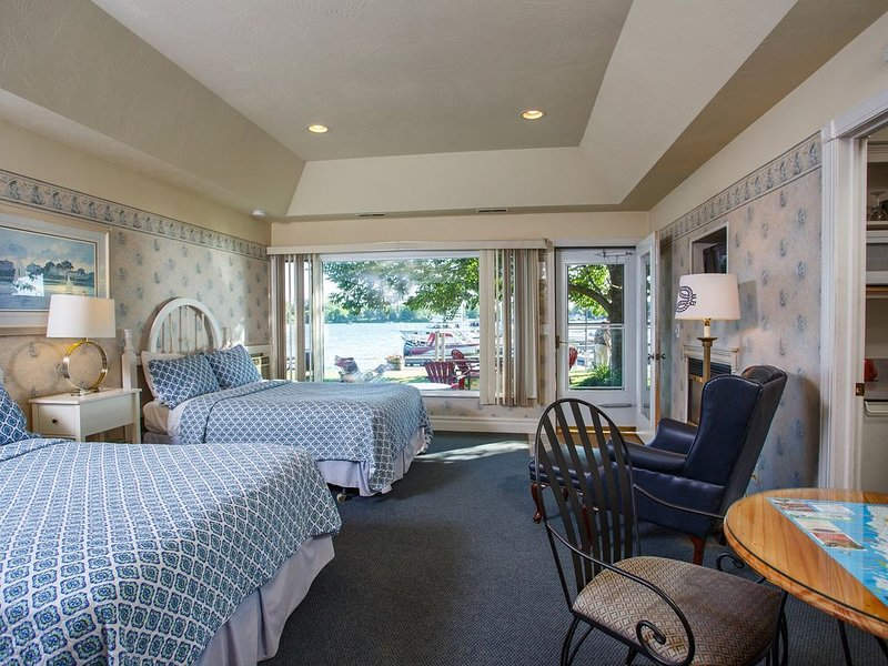 Snug Harbor Inn - Cottage 1A, vacation rental in Algoma