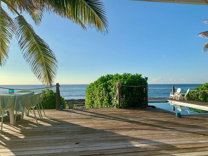 Stylish & Relaxed, Original Oceanfront Beach House - 'The Bach', alquiler vacacional en South Town
