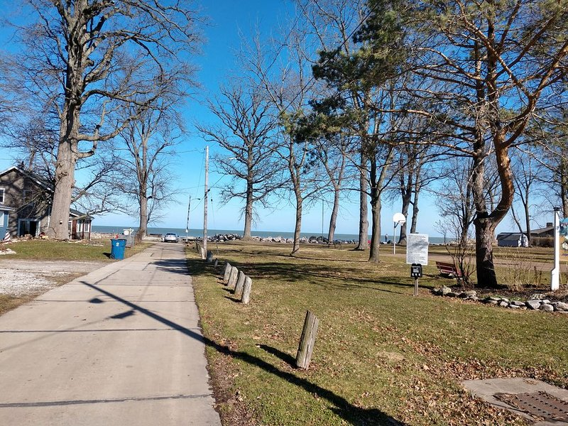Rye Beach Lake Front Home Close to Cedar Point, vacation rental in Huron