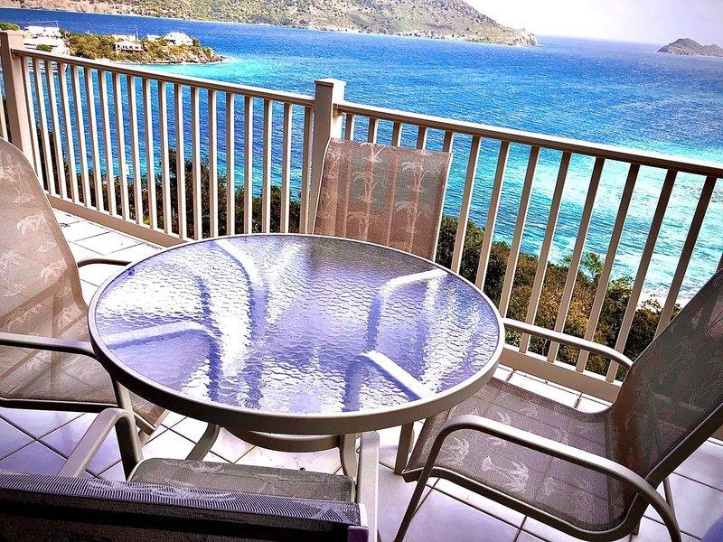 My Blue Heaven-1 BR/2BA -sleeps 5 -Amazing Views - Spacious, New Remodel!, alquiler de vacaciones en Smith Bay