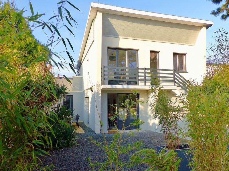 Villa moderne à deux pas de la plage, location de vacances à Deauville