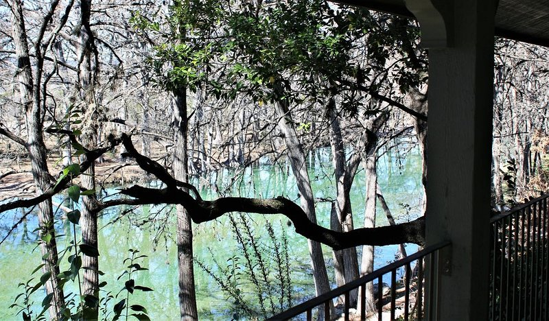 Large and Beautiful Home On the Frio River, holiday rental in Vanderpool