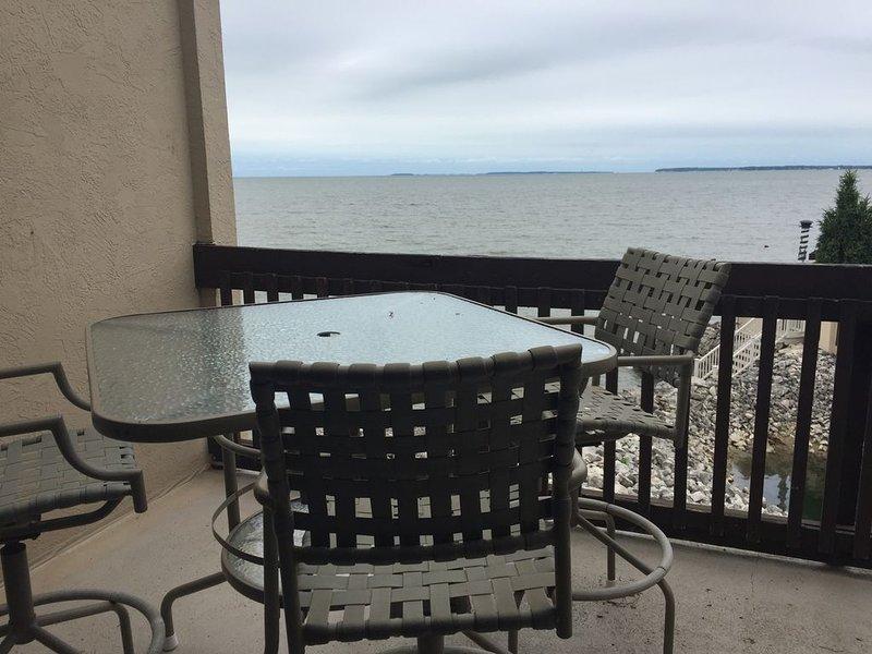 Shores #48: 3 BR / 2 BA sleeps 8, location de vacances à Port Clinton