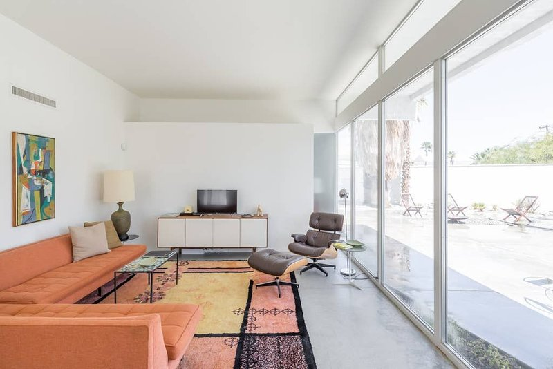 MID-CENTURY Architectural Gem. STUNNING CASE STUDY HOME - RARE- PS  #1619, casa vacanza a North Palm Springs