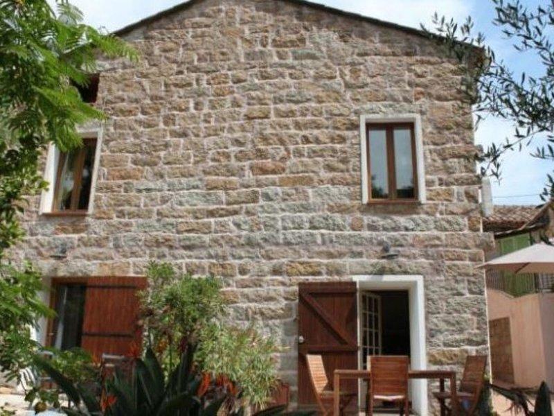 ....Gîte Nicoli 2 Jacuzzi...................................., alquiler de vacaciones en San-Gavino-di-Carbini