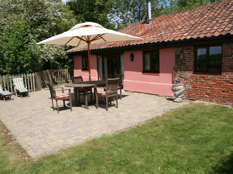 Shepherds Watch - Three Bedroom House, Sleeps 6, holiday rental in Flixton