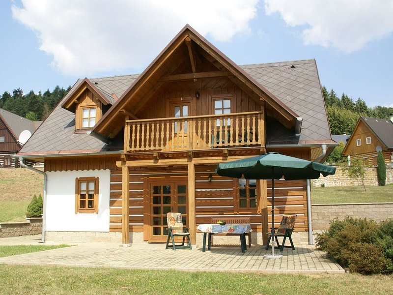 Cozy Holiday Home in Stupna with Private Garden, holiday rental in Dolni Kalna