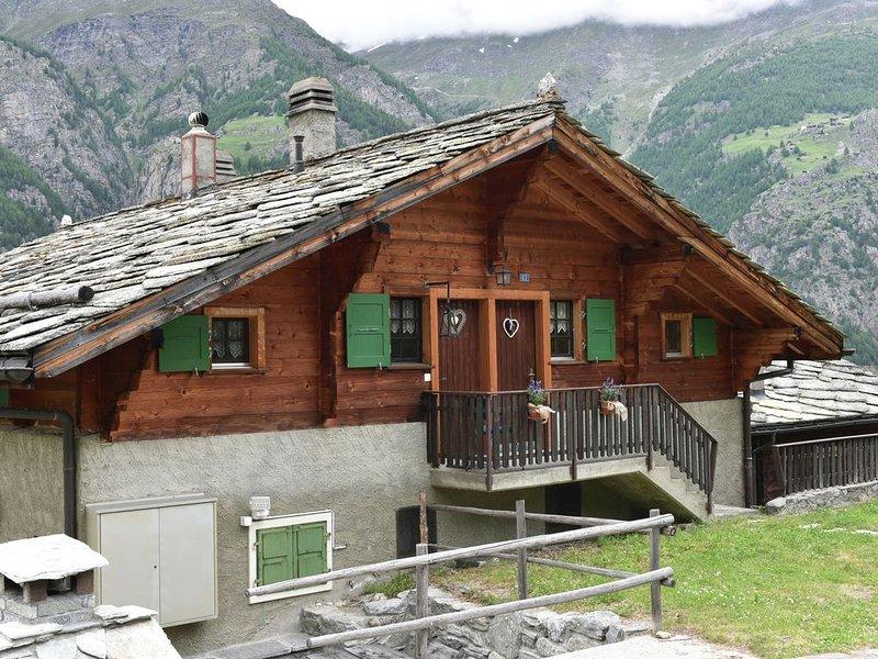 Fantastic, peacefully located apartment 1500 metres above St. Niklaus, location de vacances à St. Niklaus